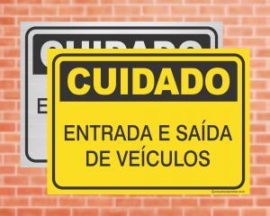 Placa Cuidado Entrada e Saída de Veículos (cod: CU10)    Adesivo vinil impressão digital Corte Reto