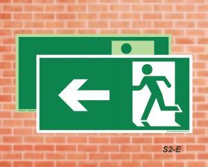 Placa de Sinalização para Rota de Fuga, Saída Seta a Esquerda (Cod.: S2e)    Adesivo vinil impressão digital Corte Reto