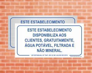 Placa Este estabelecimento disponibiliza , gratuitamente água potável, Lei Nº 7047, 22/07/15. (Cod: EC16)    Adesivo vinil impressão digital Corte Reto